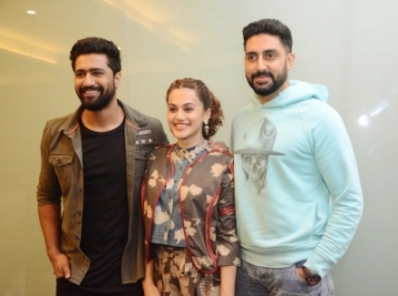 "Nagpur: Actors Vicky Kaushal, Taapsee Pannu and Abhishek Bachchan during the promotions of their upcoming film ""Manmarziyaan"", in Nagpur on Aug 25, 2018. (Photo: IANS)"