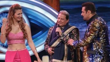 Jasleen Matharu, Anup Jalota and Salman Khan in <i>Bigg Boss 12</i>.