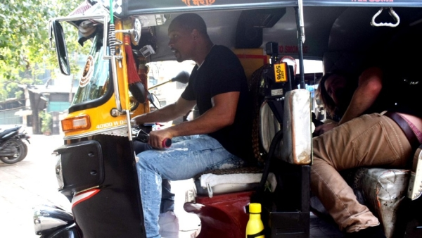 Will Smith takes the driver's seat in Mumbai.