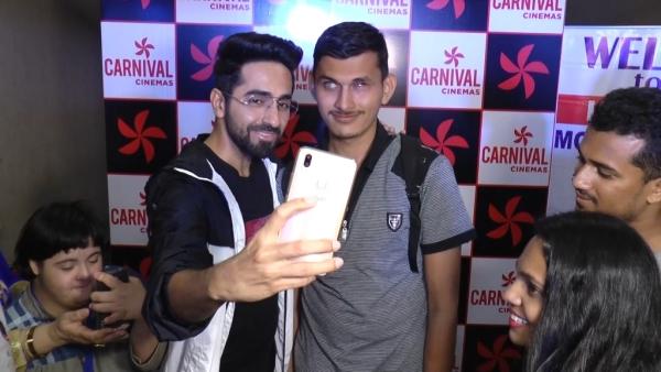 Ayushmann Khurrana with his fans.