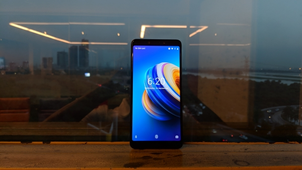 The Infinix Note 5 has one of the best display's in a sub-10k phone.