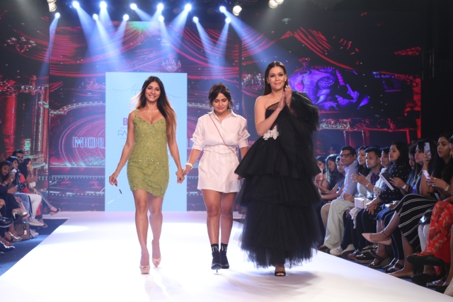 Tanisha Mukerji and Waluscha De Sousa with designer Hema Kaul.