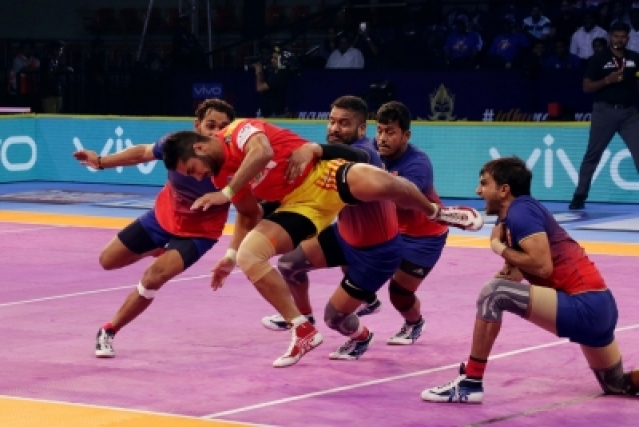 Chennai: Players in action during a Pro Kabaddi League Season 6 match between Dabang Delhi and Gujarat Fortune Giants in Chennai on Oct 9, 2018. (Photo: IANS)