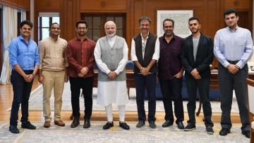 Aamir Khan, Rajkumar Hirani and others with PM Modi.