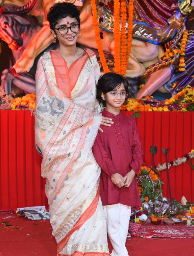 Kiran Rao poses with son Azad Rao Khan.