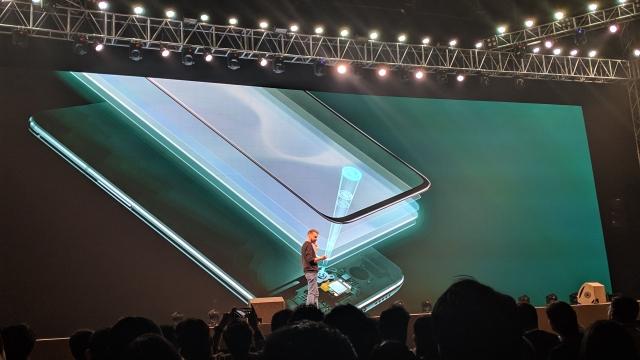 OnePlus 6T gets an in-display fingerprint sensor.