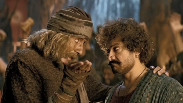 <i>Thugs of Hindostan's</i> new pulsating number features Amitabh Bachchan and Aamir Khan.