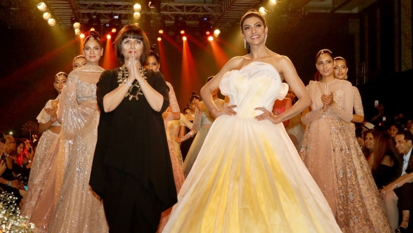 Sushmita Sen with Neeta Lulla on the ramp.