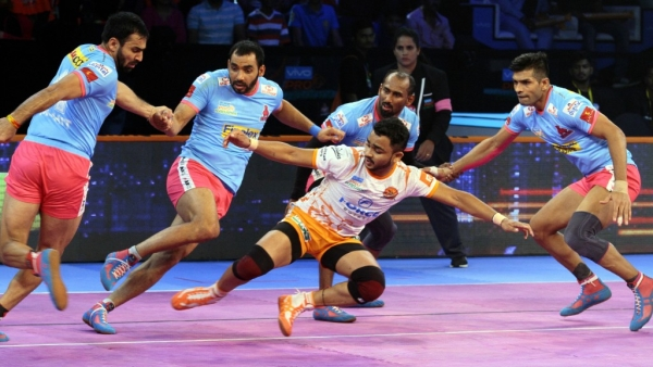 Pro Kabaddi League: Puneri Paltan Beat Jaipur Pink Panthers 29-25
