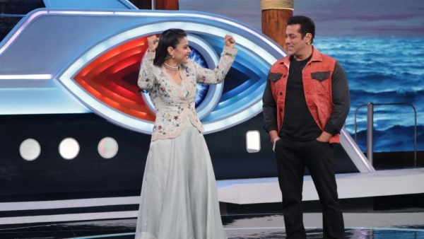 Salman and Kajol play a game where she is supposed to identify her husband Ajay Devgn.