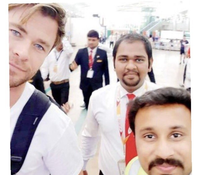 Chris clicks selfies with Avengers fans.