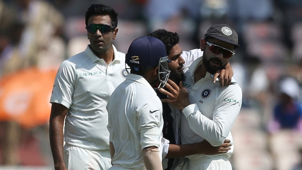 Case Filed Against Fan Who Invaded Pitch to Take Selfie With Virat