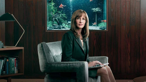 Julia Roberts in a still from Amazon Prime's <i>Homecoming</i>.