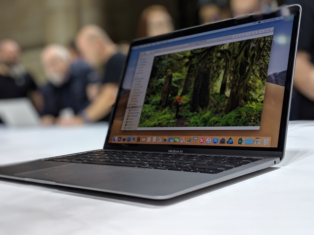 Apple has decided against having two screen variants for the MacBook Air.
