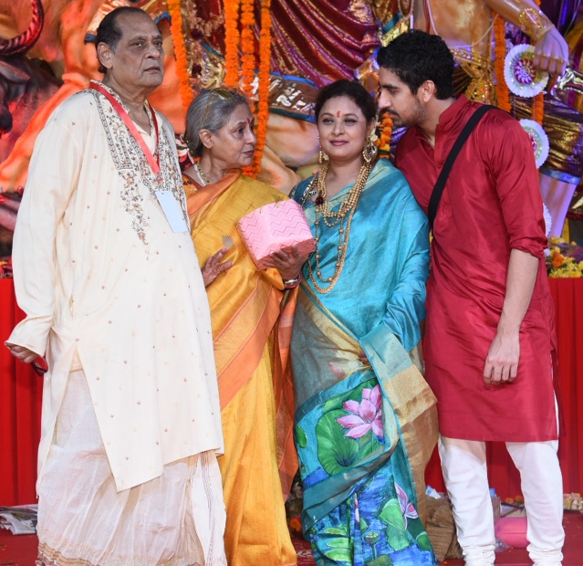 Jaya Bachchan catches up with Deb and Sharbani Mukherjee and Ayan Mukerji.