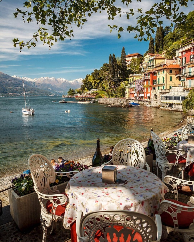 Lake Como offers some beautiful, idyllic scenery.