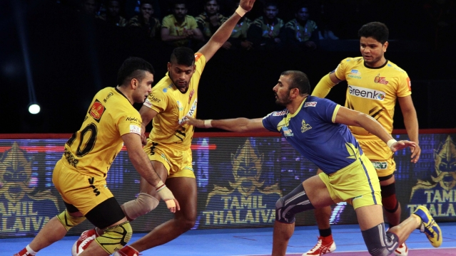 Tamil Thalaivas ramped up the pressure with an all out in the 13th minute, extending their lead to 13-9.