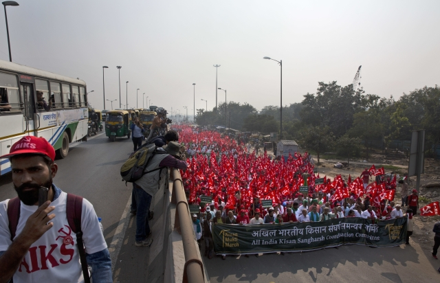 Frustrated farmers have taken to the streets of Delhi in hopes of a better livelihood.