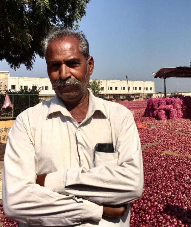 The farmers in Mandsaur's Mandi are angry with the government and they say the state needs a change.