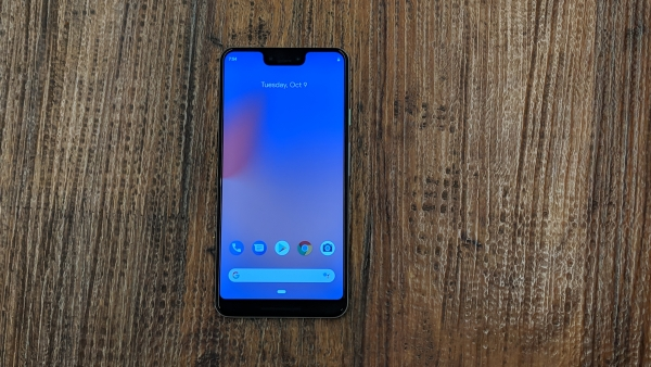 Google Pixel 3 XL gets an OLED screen from Samsung this year.
