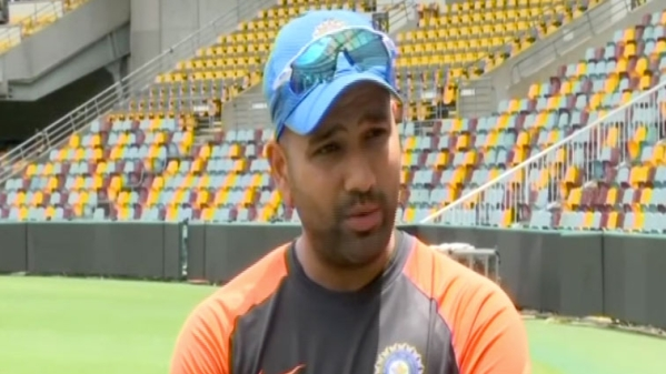 """Australia's towering pacers are at an advantage against the """"not that tall"""" Indian batsmen, says visiting vice-captain Rohit Sharma."""