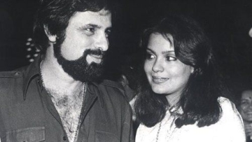 Zeenat Aman and Sanjay Khan worked in several films together.