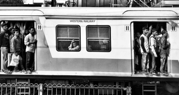 In Photos: The Chaos of Mumbai Captured in Black & White