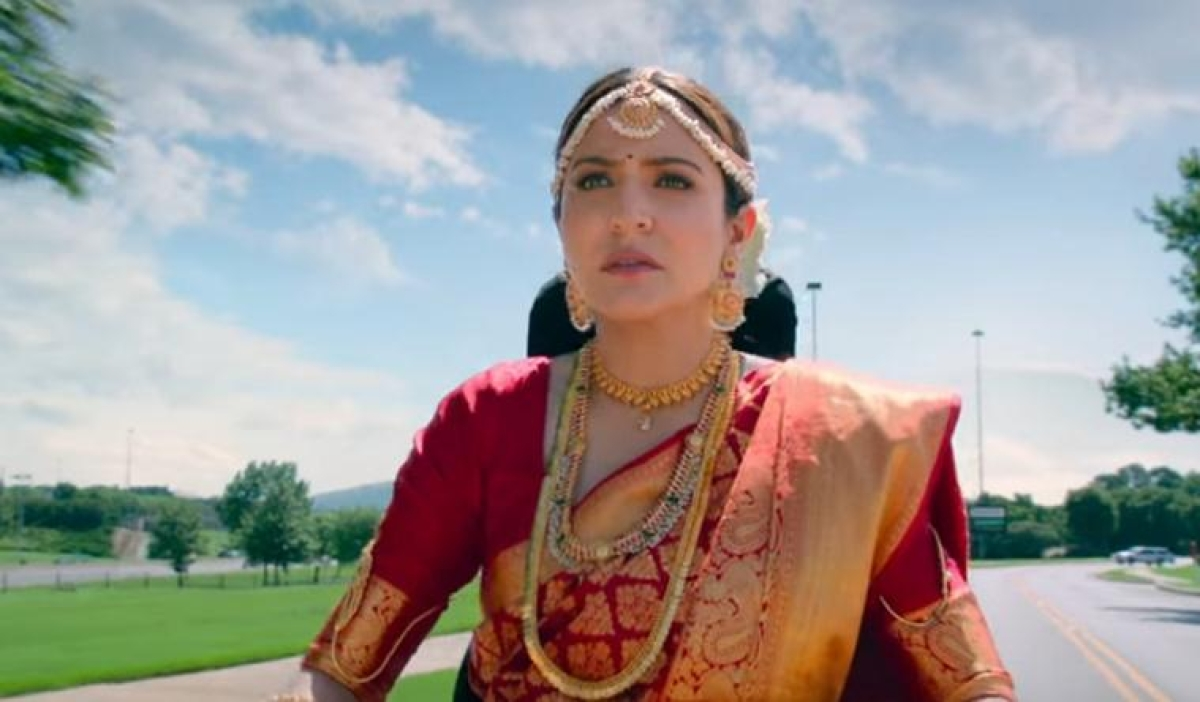 A still featuring Anushka Sharma's character.