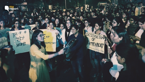 PU students protest against the 'unfair' curfew timings for the girls' hostels, in Chandigarh.