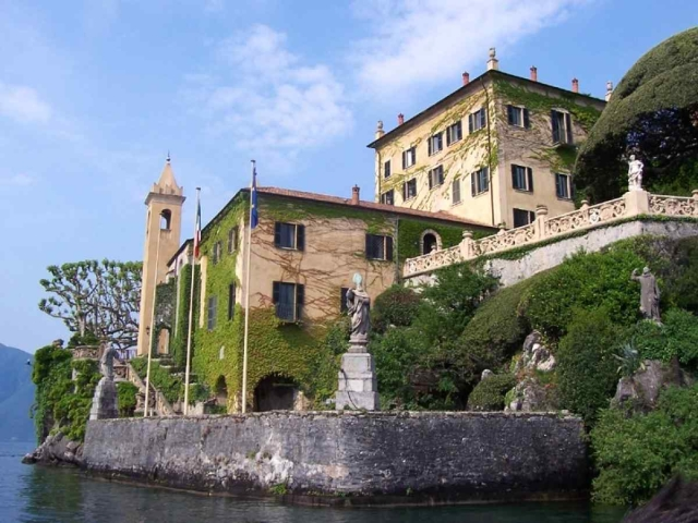 Deepika Padukone and Ranveer Singh tied the knot at Villa Del Balbianello, Lake Como.