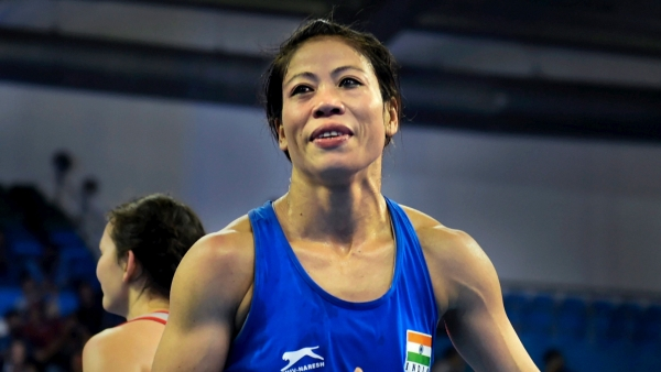 Mary Kom enters the semi-finals of the Women's World Boxing Championships.
