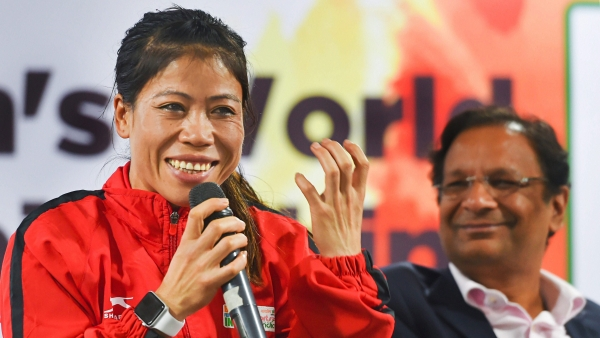 Mary Kom believes that foreign boxers 'should be able to adjust for a few days' during the Women's World Championships in New Delhi.