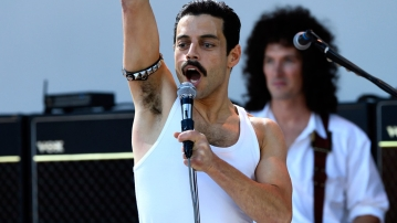 Rami Malek plays Freddie Mercury in <i>Bohemian Rhapsody</i>.&nbsp;