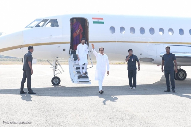 Shic Sena Chief Uddhav Thackeray arrives with son Aditya in Ayodhya.