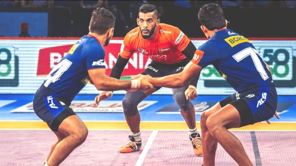 U Mumba's Siddharth Sirish Desai in action.