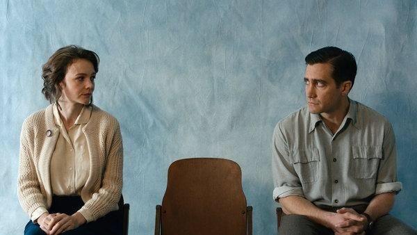 Jake Gyllenhaal and Carey Mulligan in a still from <i>Wildlife</i>.
