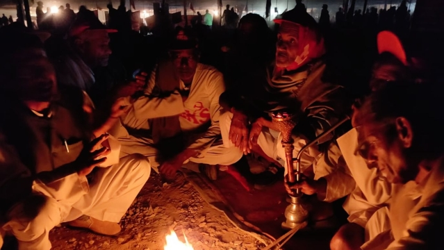 Farmers  raising chants of 'Jai Jawan, Jai Kisan' were seen at any given point of time.