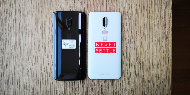OnePlus 6T (left) design changes comparable with the OnePlus 6 (right)