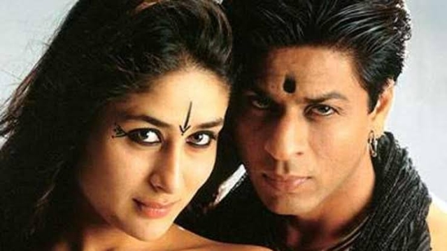 Shah Rukh Khan and Kareena Kapoor in a still from <i>Asoka</i>.