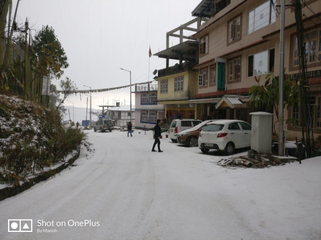 Cars were covered with snow on Kewzing Road, Ravangla