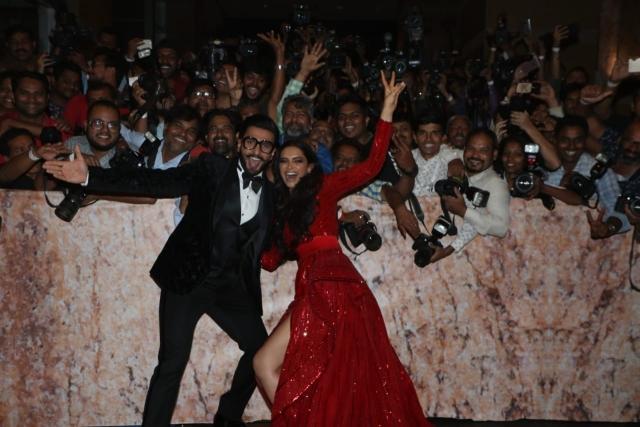 Ranveer and Deepika sure look like they are having fun.