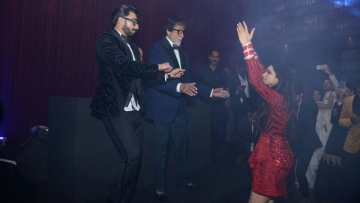 Ranveer Singh, Amitabh Bachchan and Deepika Padukone burn the dance floor.