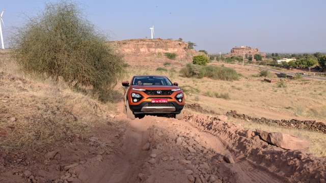 Rough road mode in the Tata Harrier gives it moderate off-road capability even though it is only a 4x2.