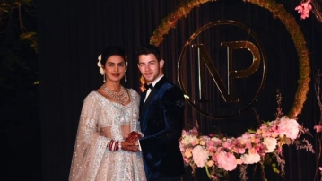 Priyanka Chopra & Nick Jonas at their Delhi reception.