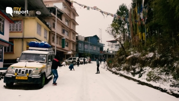 Sikkim and Darjeeling enjoy some snow flakes after 10 years.