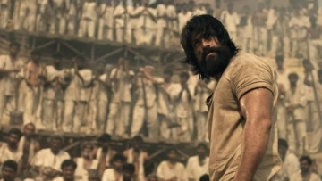 Yash in a still from <i>KGF: Chapter 1.</i>