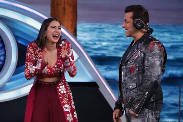 Salman Khan makes Sara Ali Khan laugh out loud.