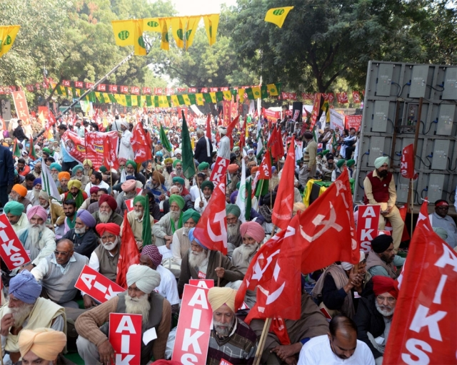 Agrarian crises across india led farmers from all over the country to march to Parliament Street in New DelhI