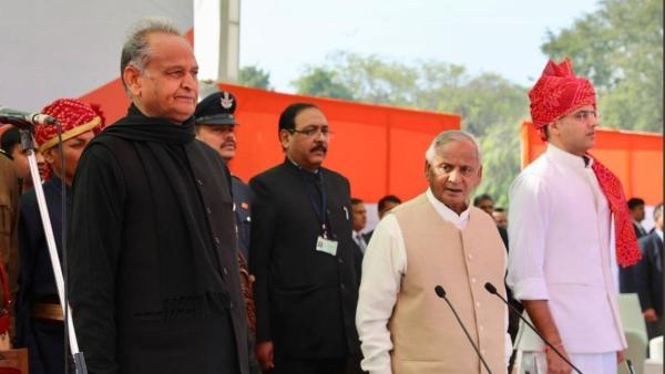 Ashok Gehlot (L) and Sachin Pilot (R)