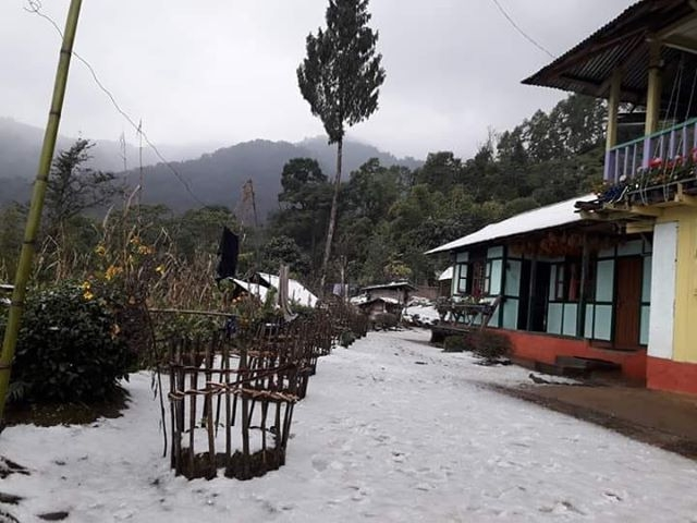 The people of Darjeeling witnessed snow after 10 long years.